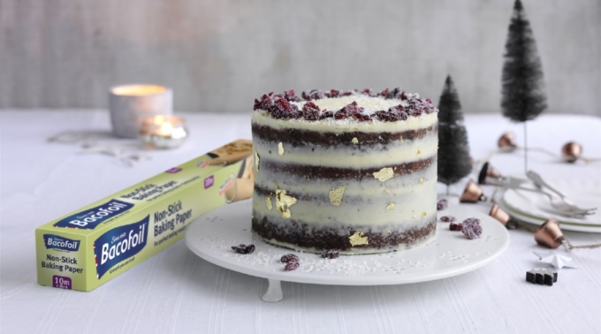 Bacofoil®Gingerbread Christmas Cake with Maple Buttercream Recipe
