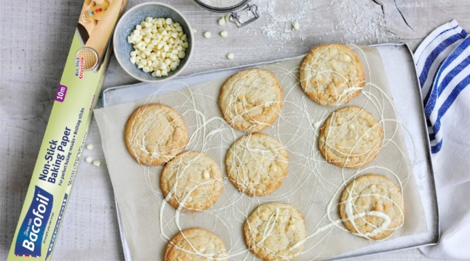 Bacofoil®Coconut & White Chocolate Cookies